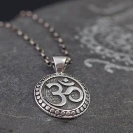 Srebrny wisior z symbolem Om