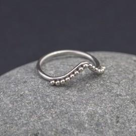 Srebrny pierścionek z kuleczkami (rozm.13)