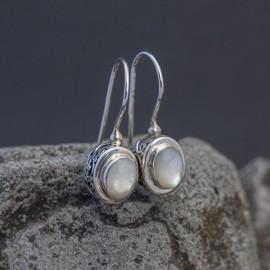 Srebrne kolczyki z masą perłową