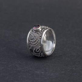 Srebrny pierścionek z granatem (rozm.12)