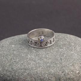 Srebrny pierścionek z labradorytem (rozm.15)
