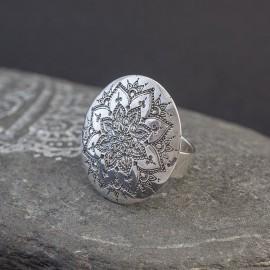Srebrny pierścionek z mandalą (regulowany)