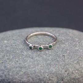 Srebrny pierścionek z kwarcami zielonymi