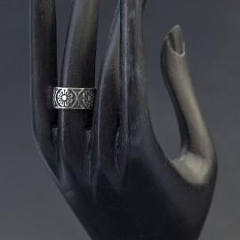 Srebrny ręcznie rzeźbiony pierścionek