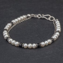Srebrna bransoletka z perłami i spinelem