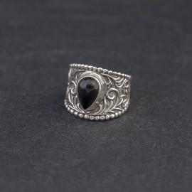 Srebrny pierścionek z onyksem (rozm.14)