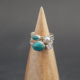 Srebrny pierścionek z turkusem, perłą i kamieniem księżycowym (rozm.17)
