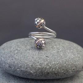 Srebrny pierścionek ze złotem 18K (rozm.13)