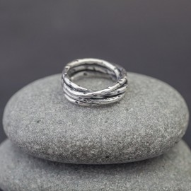 Srebrny pierścionek (rozm.16)