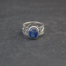 Srebrny pierścionek z kyanitem (rozm.16)