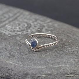 Srebrny pierścionek z kyanitem (rozm.20)