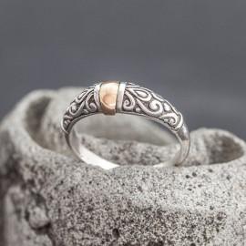 Srebrny pierścionek z odrobiną złota (rozm.15)