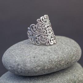 Srebrny ażurowy pierścionek (rozm.18)