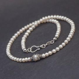 Srebrny naszyjnik z pereł