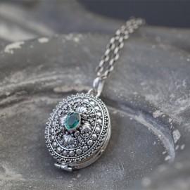 Srebrny sekretnik z kwarcem zielonym