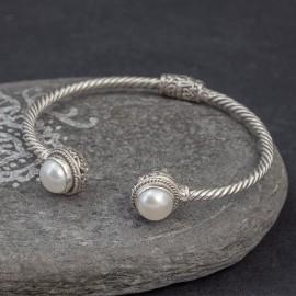 Srebrna bransoletka z perłami