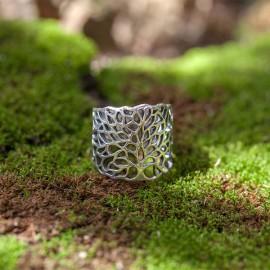 Srebrny pierścionek z motywem drzewa (rozm.16-18)