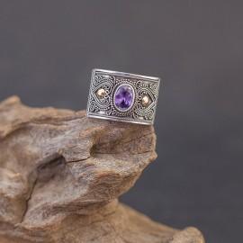 Srebrny pierścionek ze złotem 18K i ametystem (rozm.16)