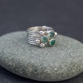 Srebrny pierścionek z kwarcem zielonym (rozm.16)