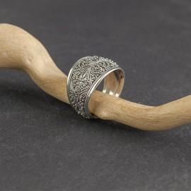 Srebrny pierścionek w orientalnym stylu (rozm.17)