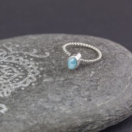 Srebrny pierścionek z larimarem