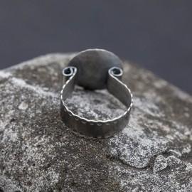 Srebrny pierścionek z miedzianą kuleczką