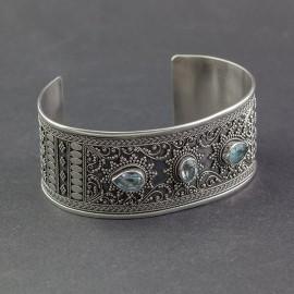 Srebrna bransoleta z błękitnym topazem
