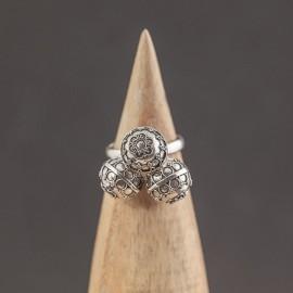 Srebrny pierścionek z dzwoniącymi kuleczkami (rozm.19)